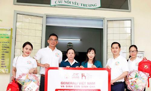 Generali trao tặng 500 phần quà cho các bệnh nhi khó khăn trên toàn quốc