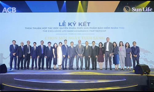 ACB và Sun Life Việt Nam công bố thỏa thuận hợp tác độc quyền phân phối sản phẩm bảo hiểm nhân thọ 15 năm tại Việt Nam