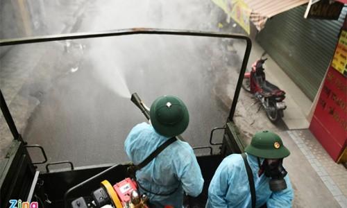 Quân đội phun khử khuẩn TP.HCM từ ngày 23/7