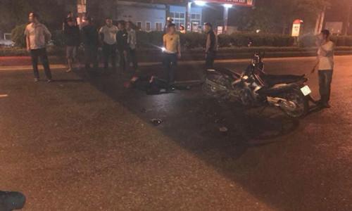 Cảnh sát cơ động bị đâm tử vong khi xử lý vi phạm giao thông