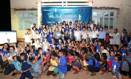 Tết An Bình – Liter of Light 2020: Thắp sáng niềm vui đón Tết cho bà con xã Đăk Ơ, Bình Phước