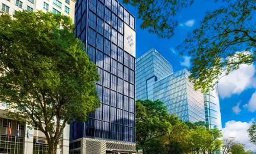 Cất nóc tòa nhà văn phòng Friendship Tower 21 tầng tại quận 1
