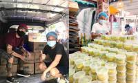 NSƯT Hữu Quốc nấu hàng nghìn suất ăn mỗi ngày cho các khu phong tỏa