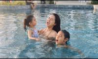 Quỳnh Anh đi chơi Tết cùng gia đình Quang Huy và hai con